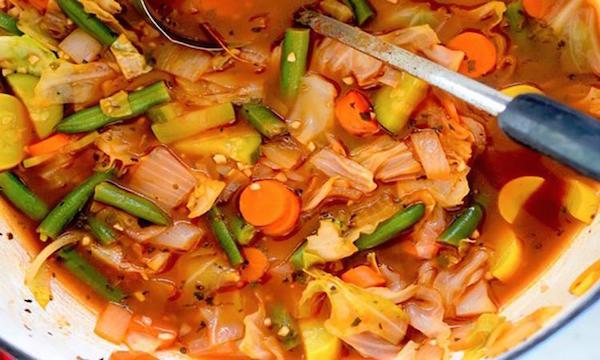 Une Soupe aux Légumes Croquants