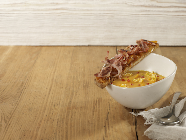 Photo Recette Velouté de Carottes Pop-corn au Tomato Ketchup Heinz et Tartine Grillée au Lard