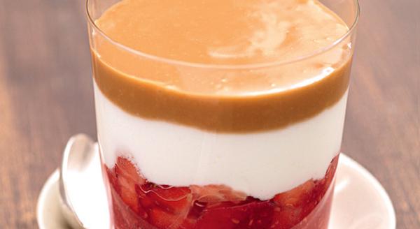 Verrine Aérienne aux Fruits Rouges, Café et Fromage Blanc