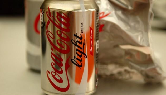 Voici ce qui Arrive à votre Corps Lorsque vous êtes Empoisonné par L'aspartame des Sodas Light