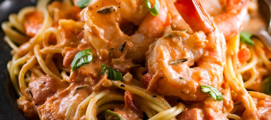 recette spaghettis aux crevettes sauce ros e au romarin circulaire en ligne. Black Bedroom Furniture Sets. Home Design Ideas