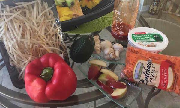 les-ingredients-feves-germees-et-legumes-sautes
