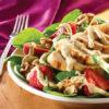 Circulaire Salade D'épinards et de Poulet Grillé avec Sauce Balsamique Crémeuse