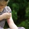 Stoppez la démangeaison causé par un moustique avec une astuce simple!