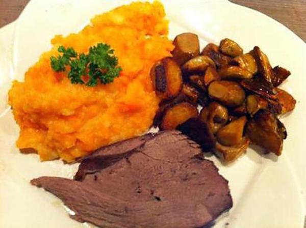 Recette un cuissot de chevreuil tendre et moelleux cuit au four circulaire en ligne - Cuisiner un gigot de chevreuil ...